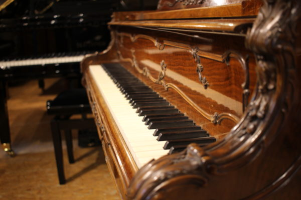 piano Steinway and Sons Louis XV Occasion