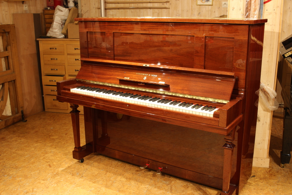 Acheter piano Steinway and Sons k132 d'occasion